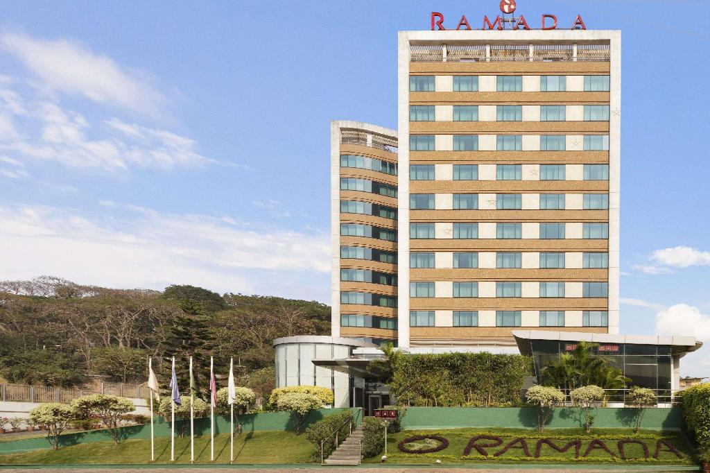Exterior view Ramada by Wyndham Powai Hotel & Convention Centre