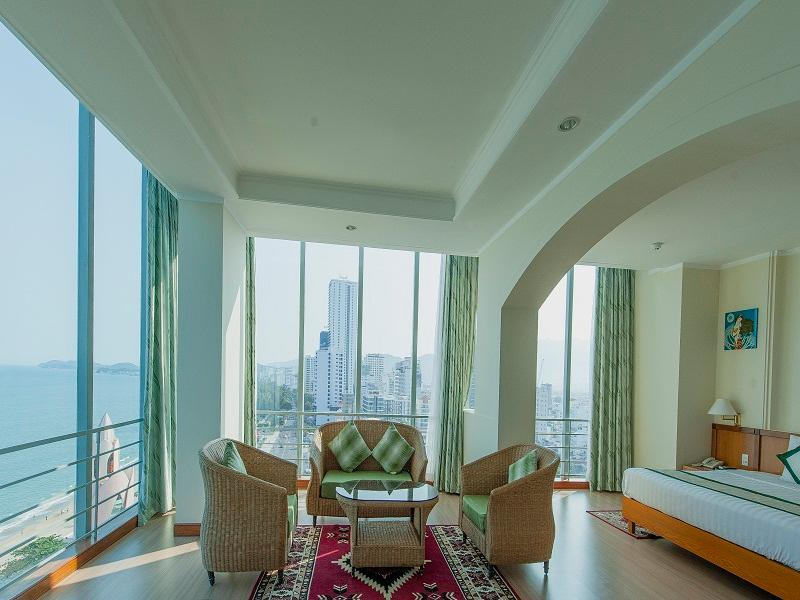 Suite Pemandangan Laut Ranjang King (Suite Ocean View King Bed)