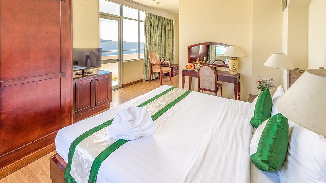 Deluxe Executive Ranjang King dengan Pemandangan Laut (Executive Deluxe Sea View King Bed)