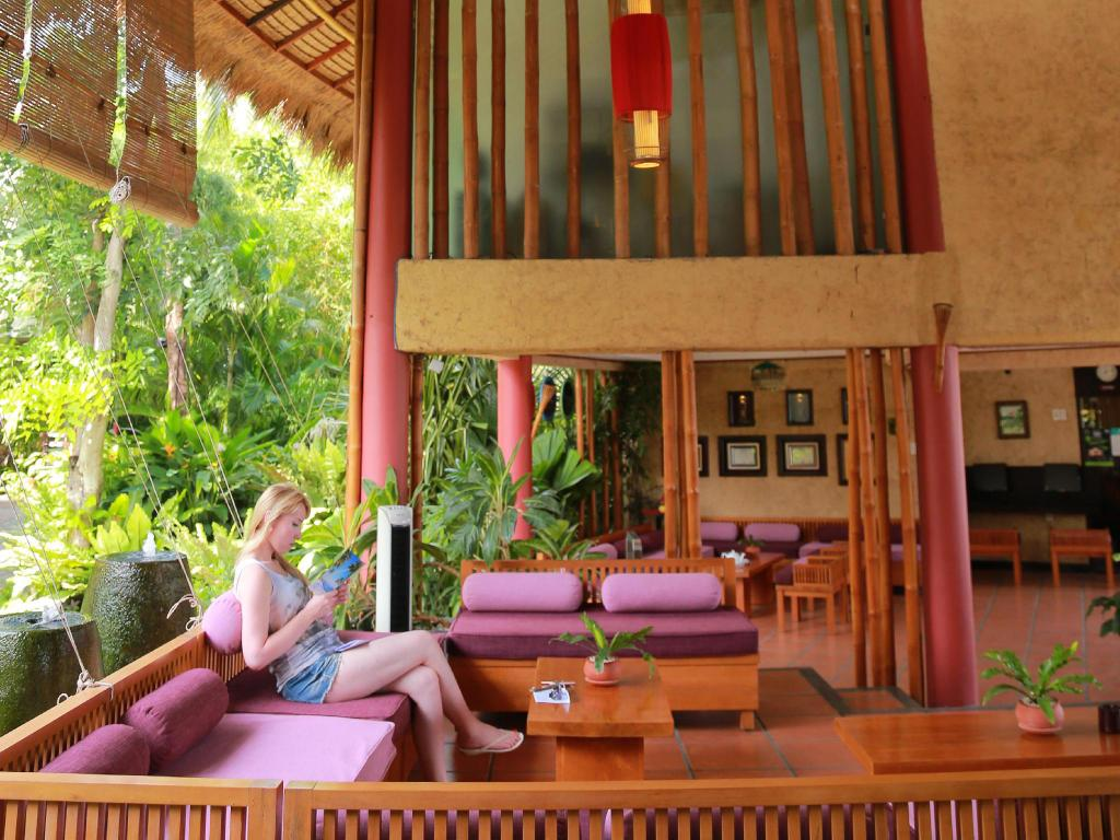 Vestíbulo Bamboo Village Beach Resort
