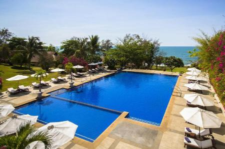 Swimming pool [outdoor] Victoria Phan Thiet Beach Resort and Spa