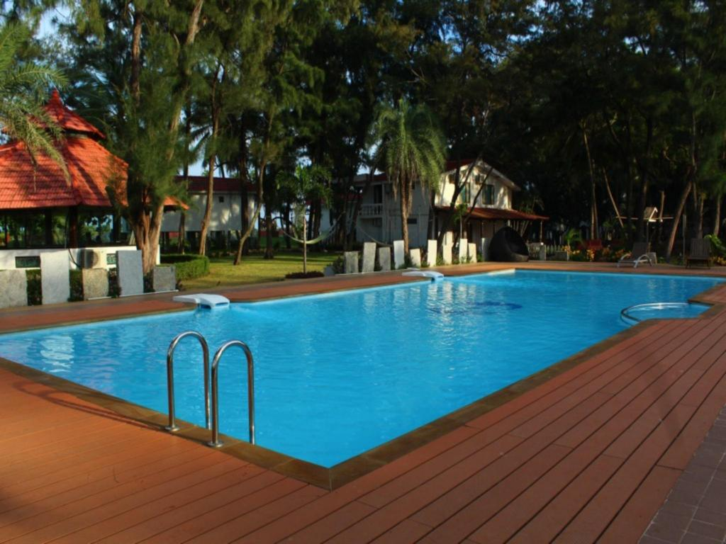 Vgp golden beach resort in chennai room deals photos reviews for Beach resort in chennai with swimming pool