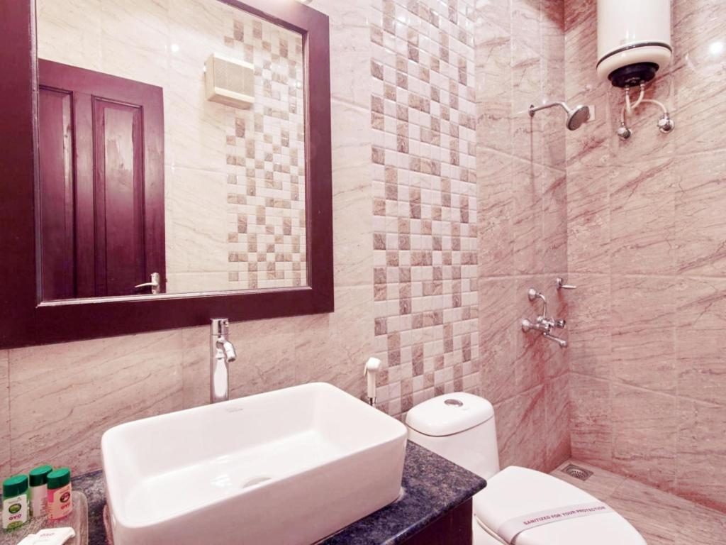 Bathroom GenX Banjara Hill by 1589 Hotels
