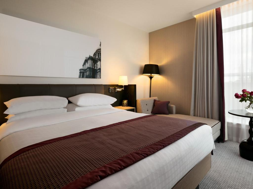 Double Hilton Deluxe Accessible - Легло Hilton London Angel Islington
