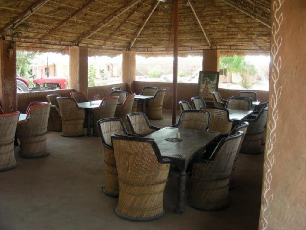 Salón Bishnoi Village Camp y resort (Bishnoi Village Camp and Resort)
