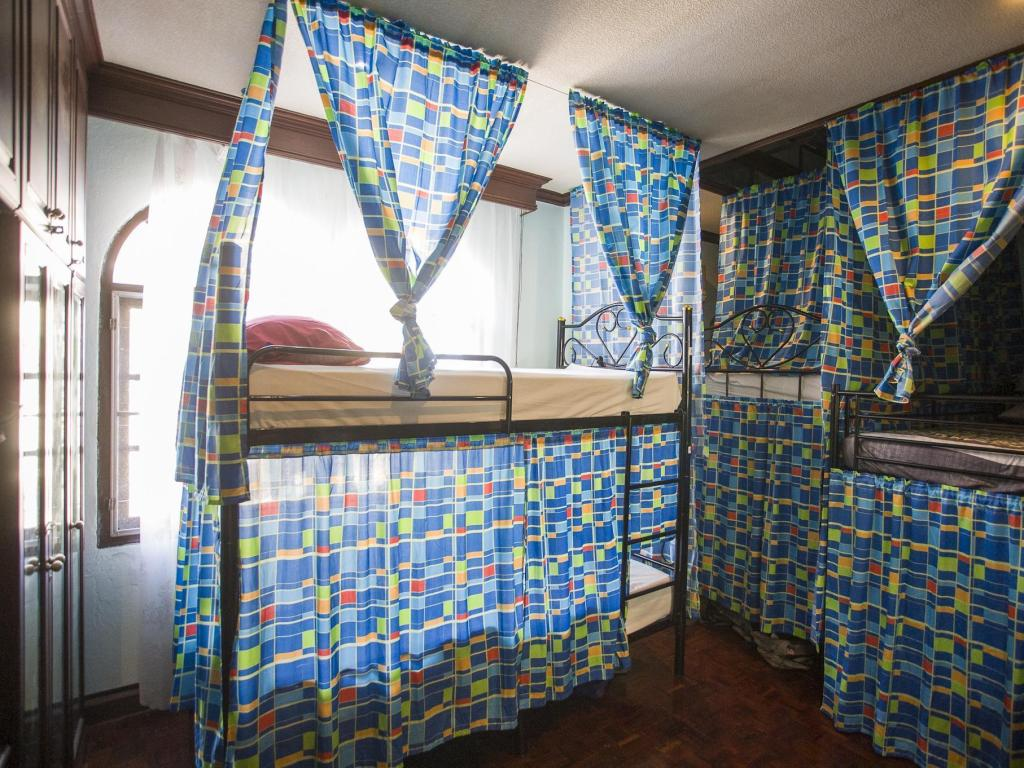 1 Person in 10-Bed Dormitory with Fan - Mixed