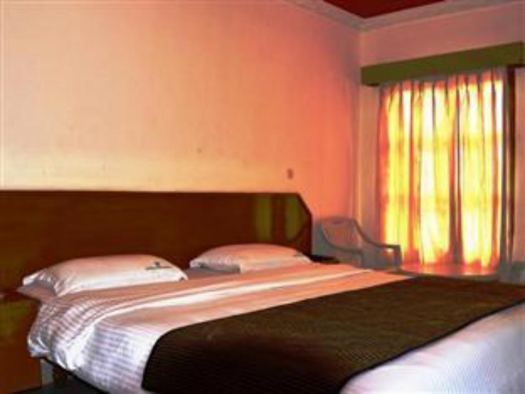 See all 7 photos Hotel Gurupriya