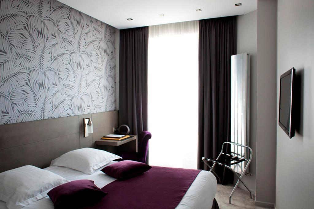 Double Classic - Bedroom Hotel Atala Champs Elysees