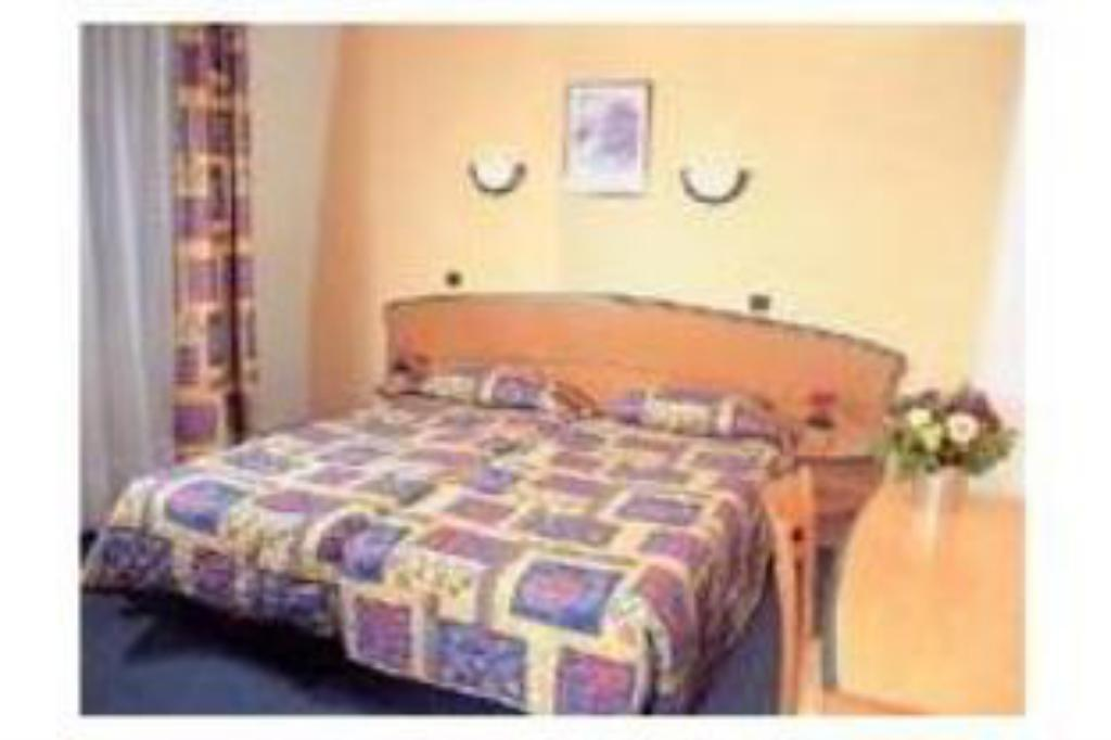 Double/Twin Room - Bed Mirific