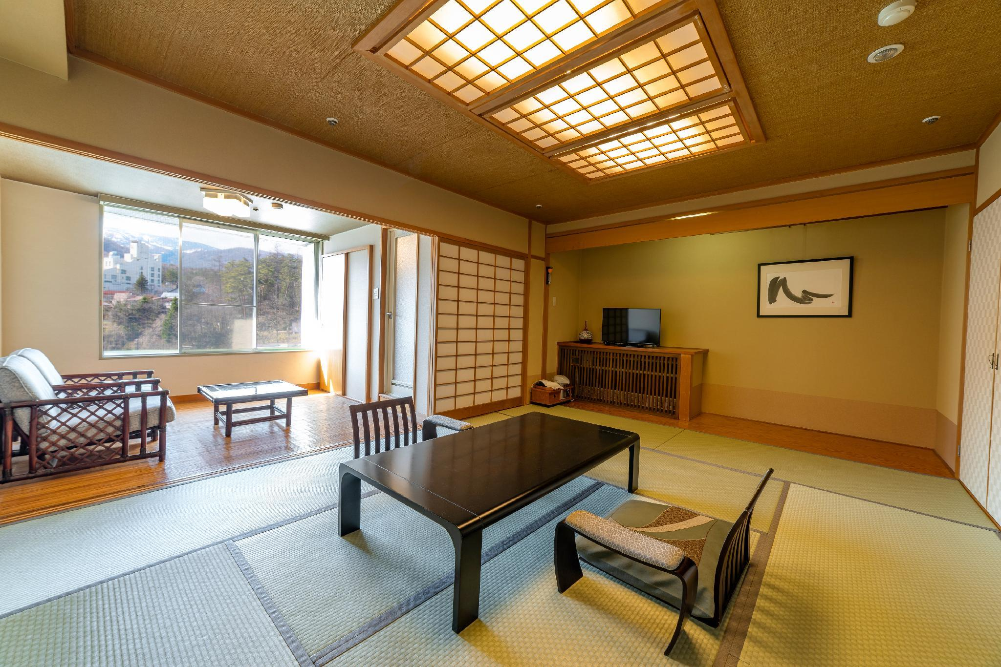 Hot Spring Field View Japanese Style Room for 5 People with 10 Tatami