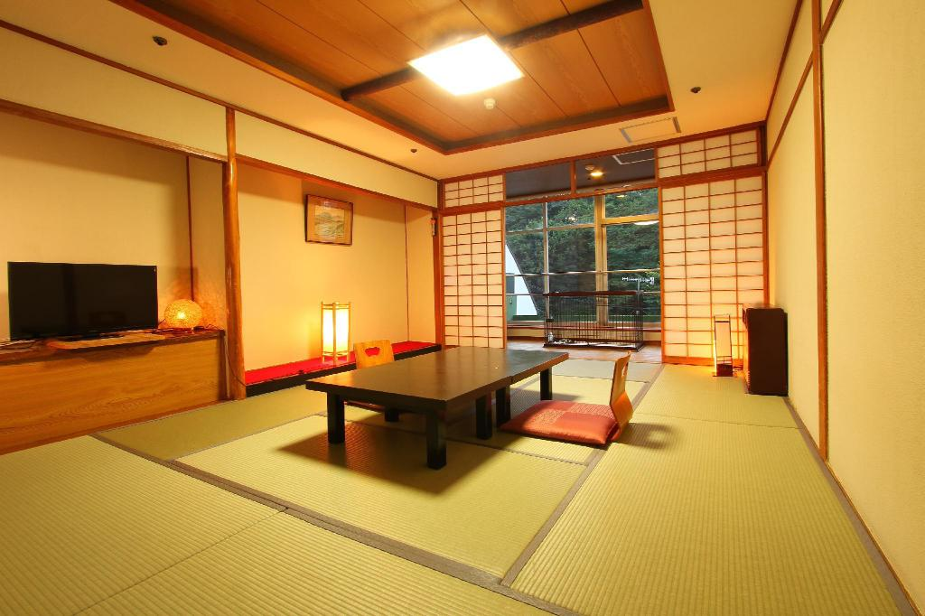 Hot Spring Field View Japanese Style Room for 4 People with 10 Tatami - Pet-Friendly