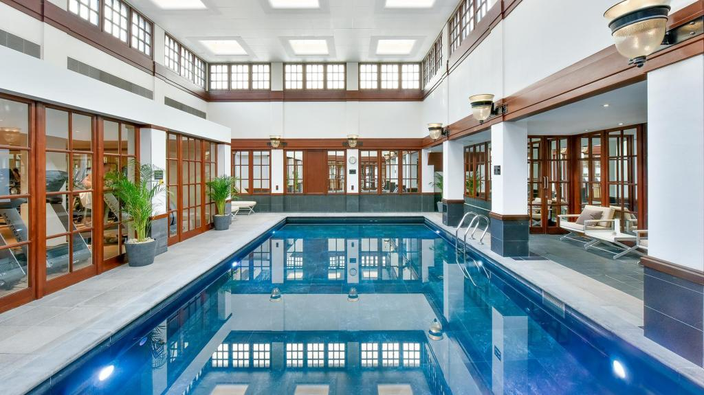 Swimming pool The Savoy Hotel