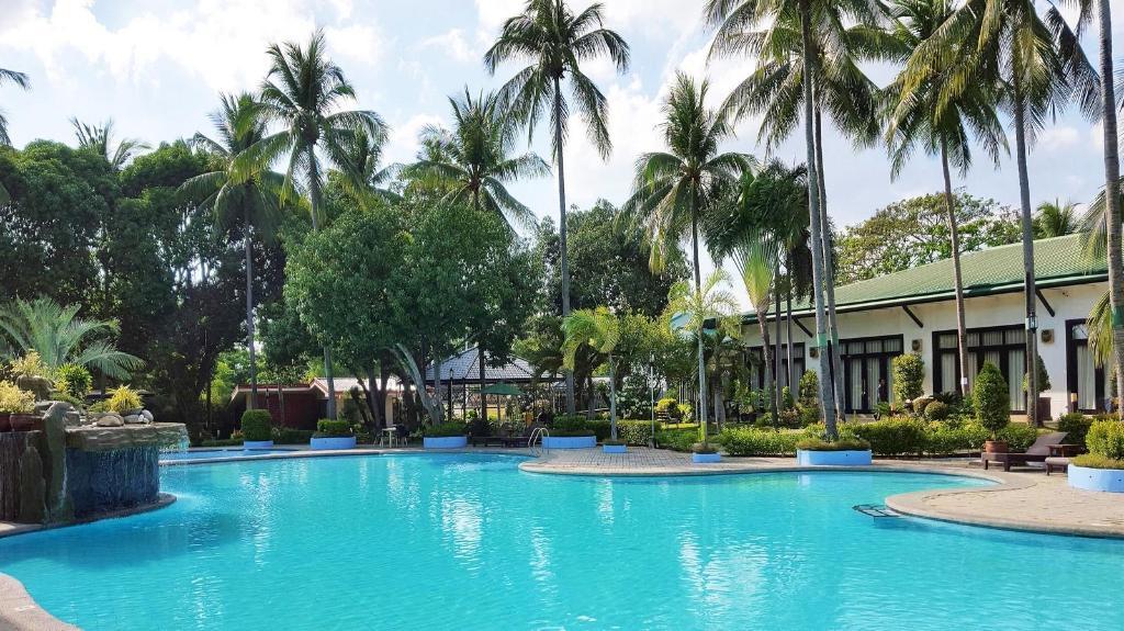 Booking Batangas Country Club Batangas Country Club