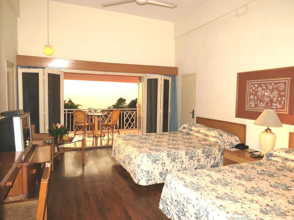 Deluxe Family Room The Riverview Resort – Chiplun