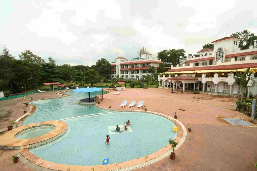 Khanvel resort silvassa india photos room rates - Hotels in silvassa with swimming pool ...