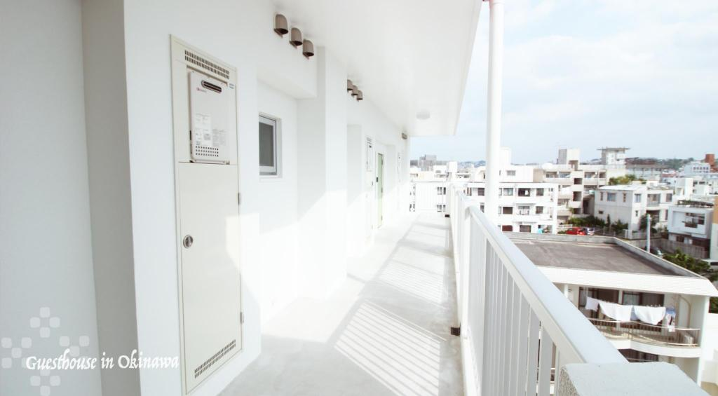 Interiér White Terrace Tsuboya -Guesthouse in Okinawa-