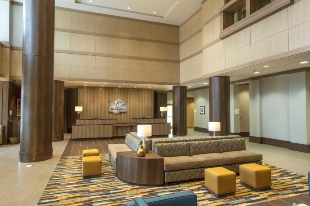 Vestíbulo Holiday Inn Hotel and Suites Shenandoah-The Woodlands