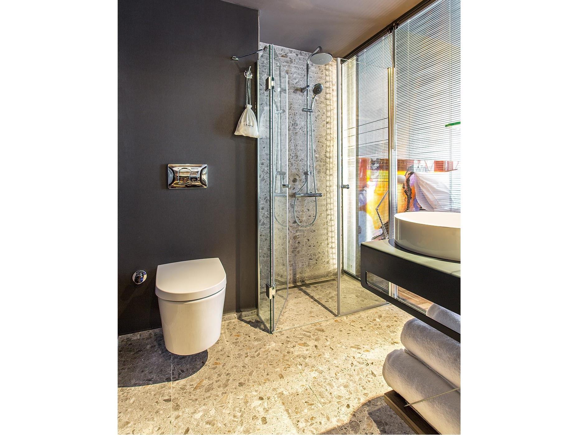 Lampa design hotel special category istanbul boek een