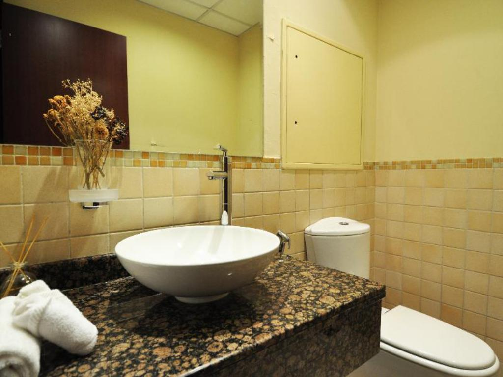 Bathroom Dubai Stay - Shams 01 Res