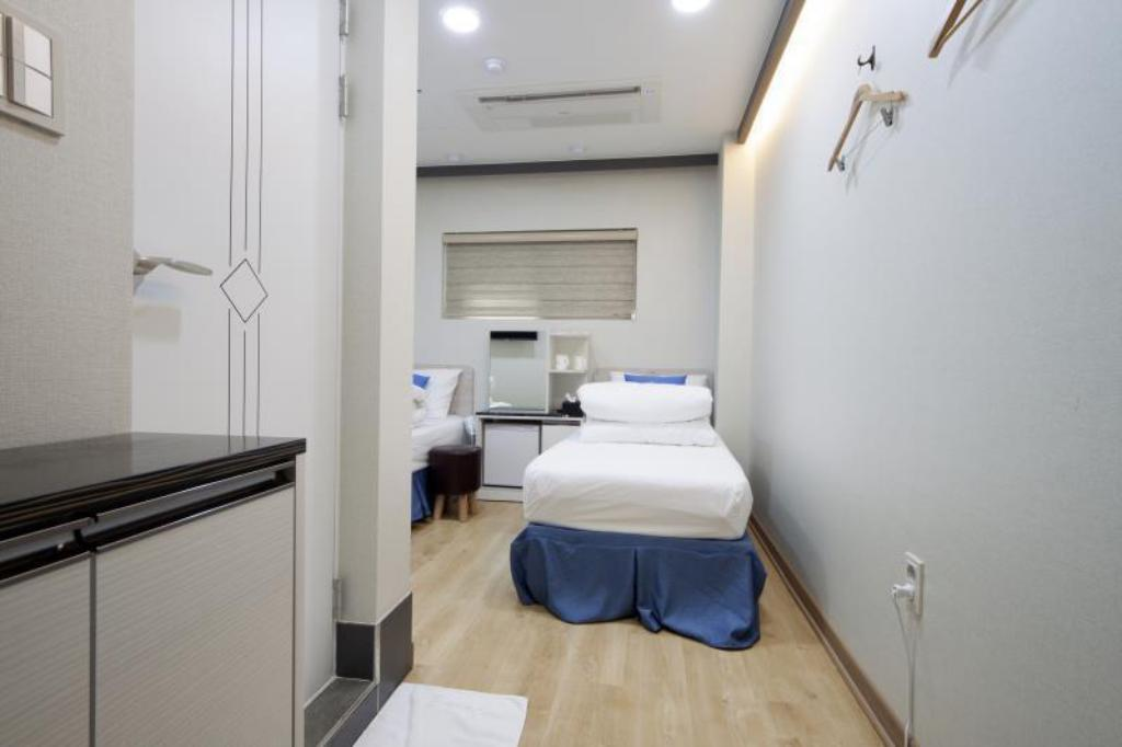 Standard Twin Room Stay7 Hostel Myeongdong