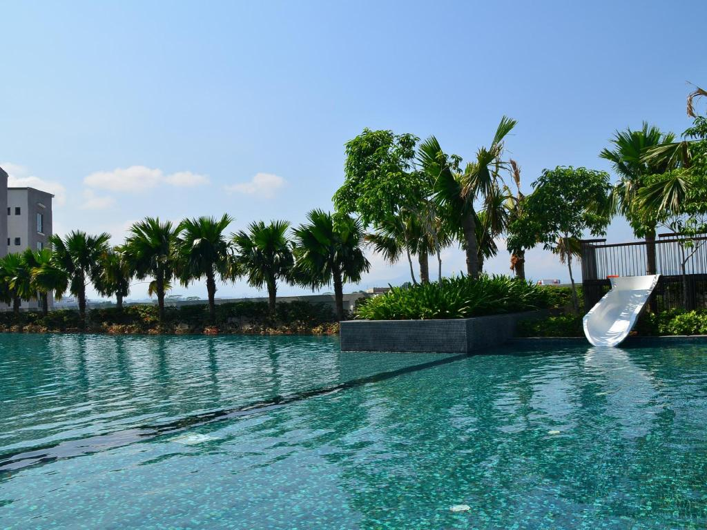 Swimming pool Accord Regency Serviced Apartment