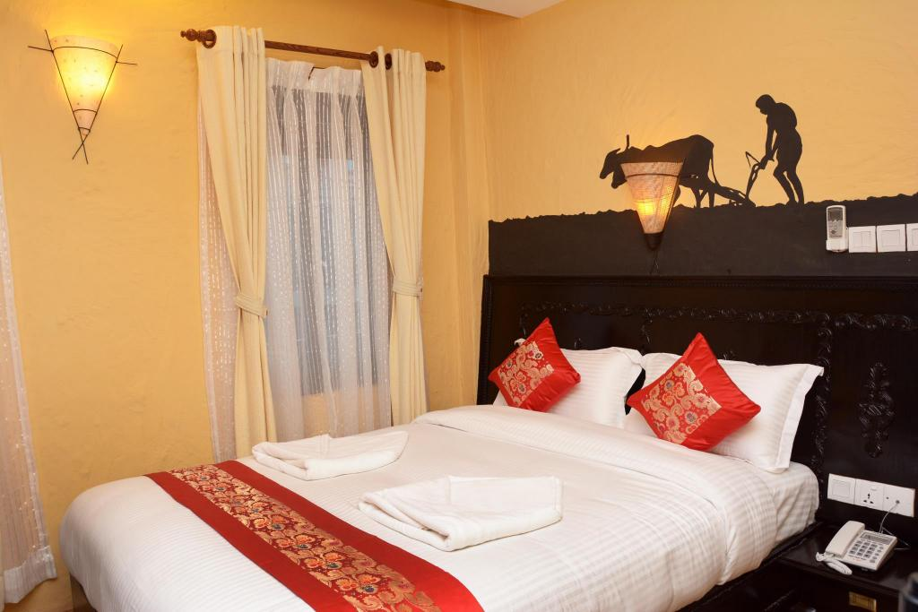 Standard Queen Bed - Bed Kasthamandap Boutique Hotel