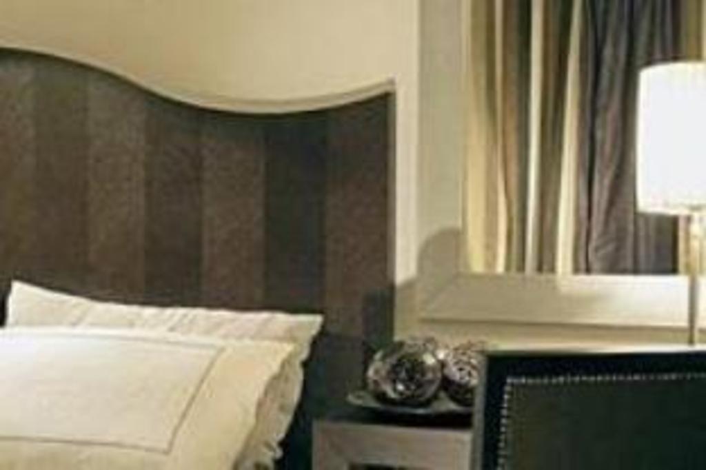 Boomerang Tv Meubel.Hotel Diamonds And Pearls Antwerp 2020 Updated Deals 78 Hd