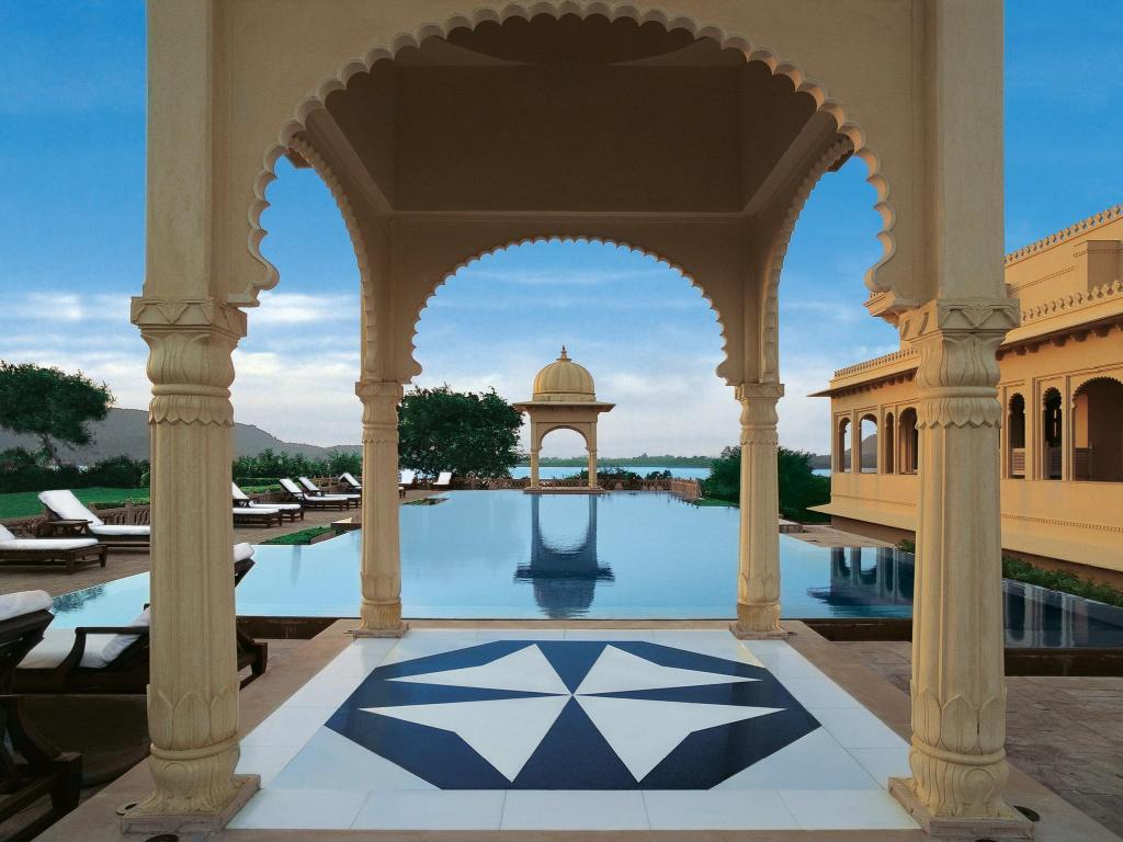 Swimming pool [outdoor] The Oberoi Udaivilas Udaipur Hotel