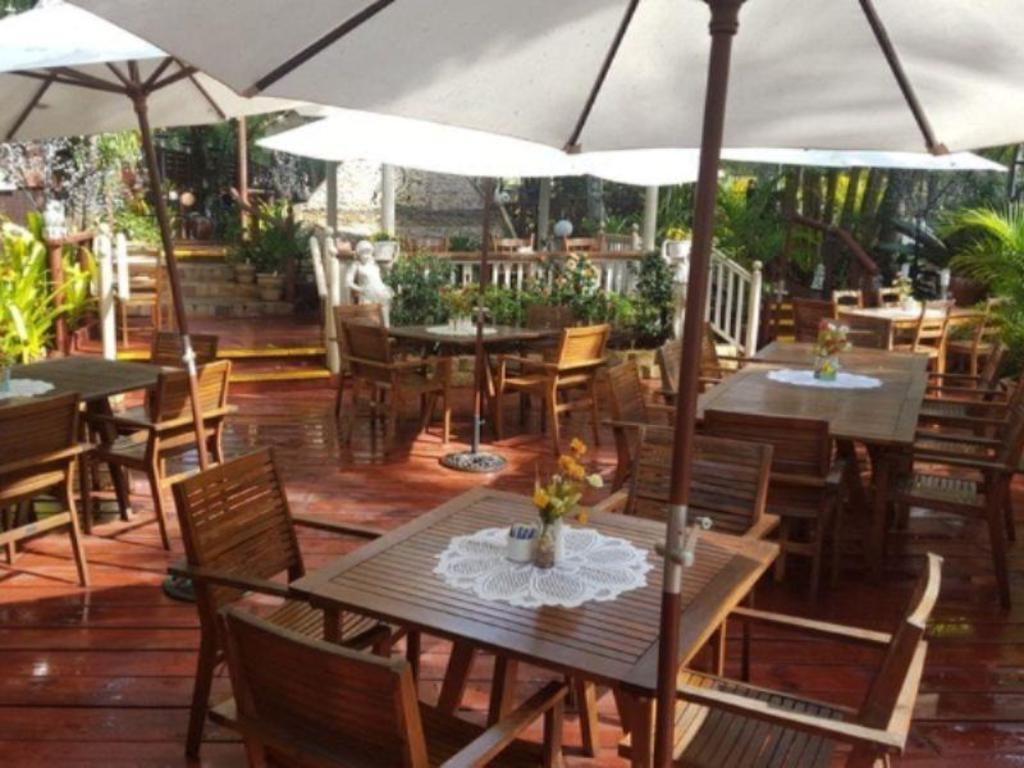 Glenview Gardens Country Resort in Sunshine Coast - Room Deals ...