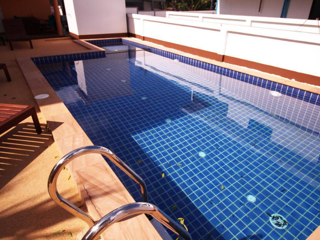 Swimming pool Blue Wave Samui