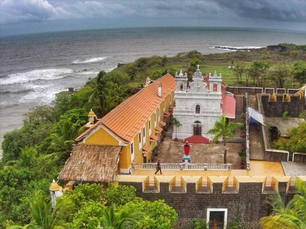 Fort Tiracol Heritage Hotel in Goa - Room Deals, Photos