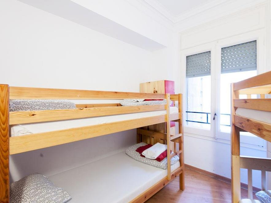 Dormitori per a 3-4 persones amb bany compartit (Dorm (3-4 persons, dormitory room with shared bathroom))