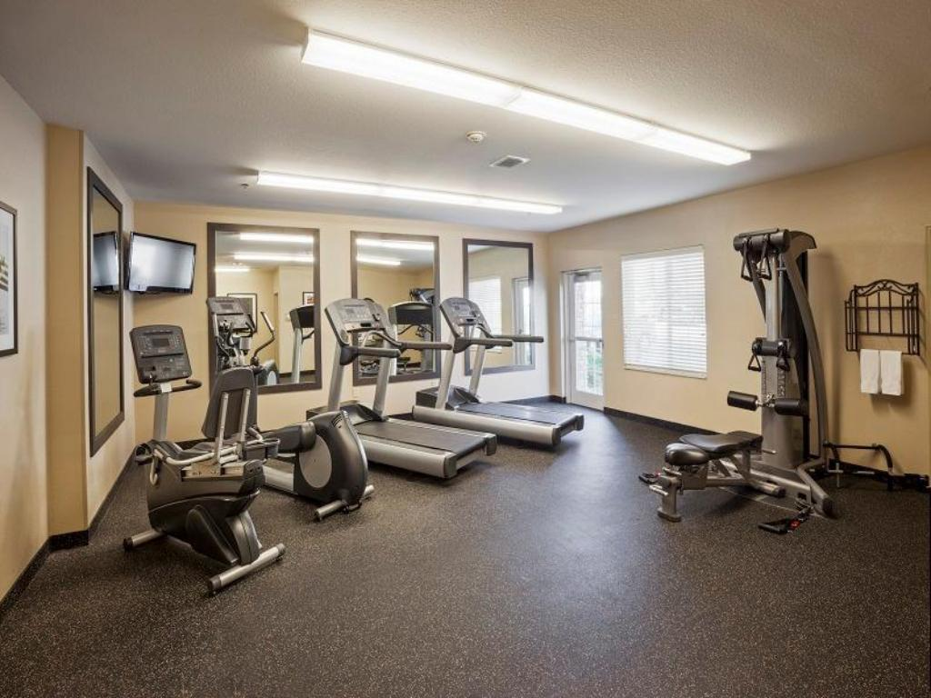 Fitness center Candlewood Suites Bay City