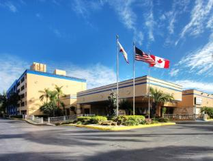 Econo Lodge Inn & Suites Fort Lauderdale North