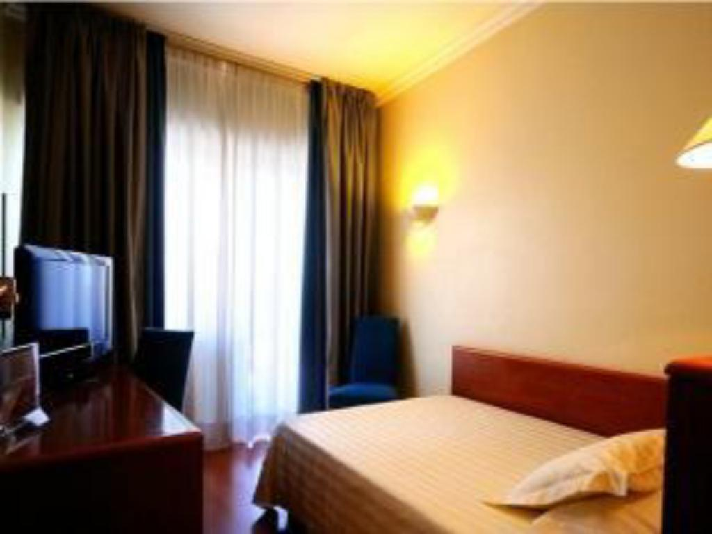 Single - Bed Best Western Hotel Globus