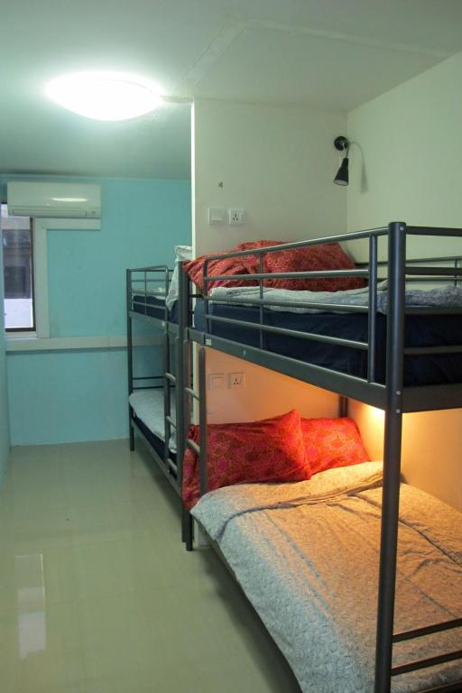 Private Room for 4 People with 2 Bunk Beds - Room plan Inn@Sg