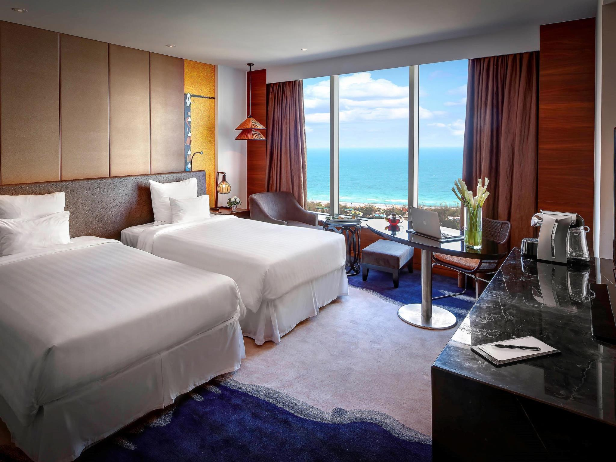 Deluxe Sea View Room with Twin Bed
