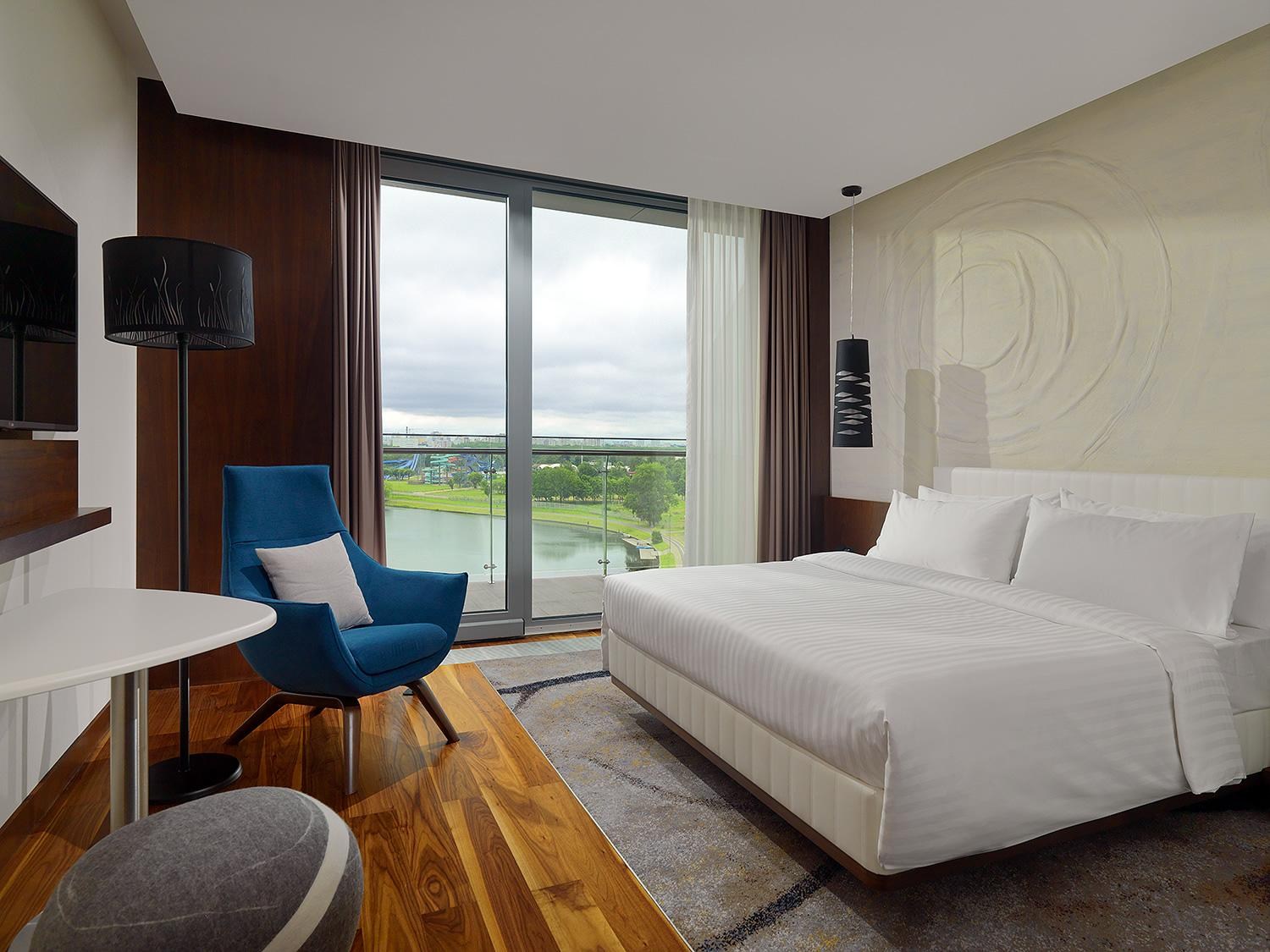 Classic Riverside View, Guest room, 1 King or 2 Queen