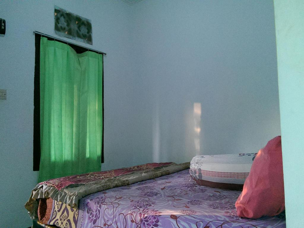 Standard Double Room Diyah Homestay