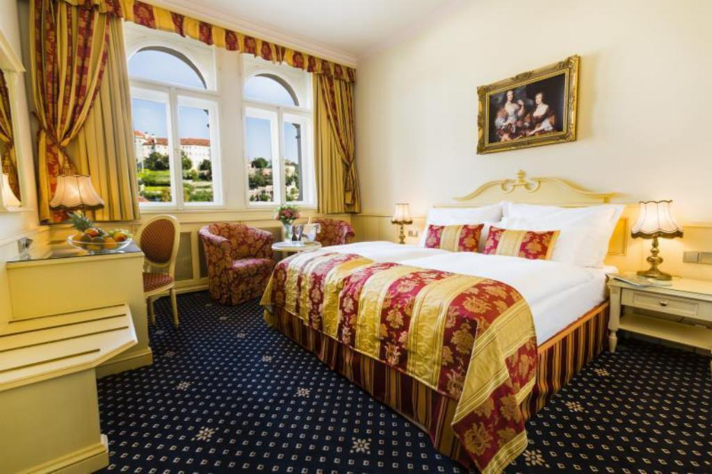 See all 32 photos Luxury Family Hotel Royal Palace