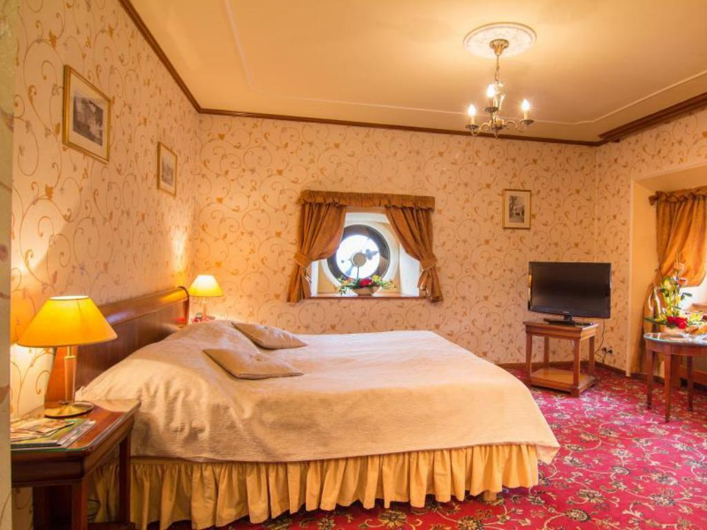 Double Hot Deal Chateau St. Havel - Wellness and Golf Hotel