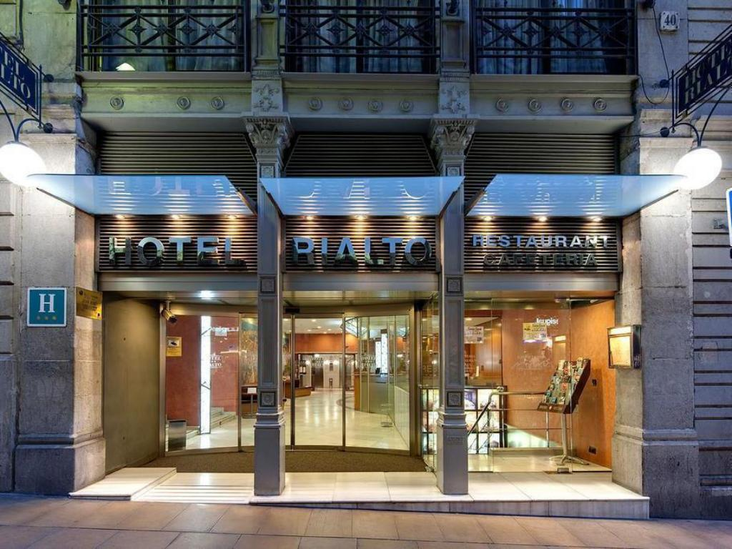 Best price on rialto hotel in barcelona reviews for Hotel tre stelle barcellona