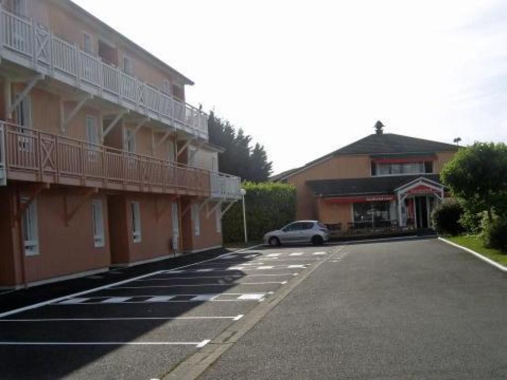 Brit Hotel Albi Le Sequestre  Ph U00e1p  Agoda Com C U00f3 Gi U00e1 R U1ebb Nh U1ea5t