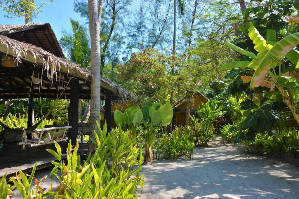 More about Forra Dive Resort Sunrise Beach