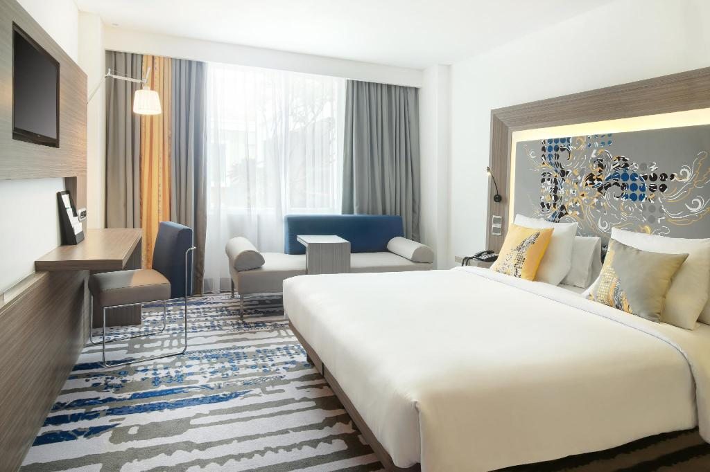 Superior Room With 1 King Size Bed - Bed Novotel Bali Ngurah Rai Airport