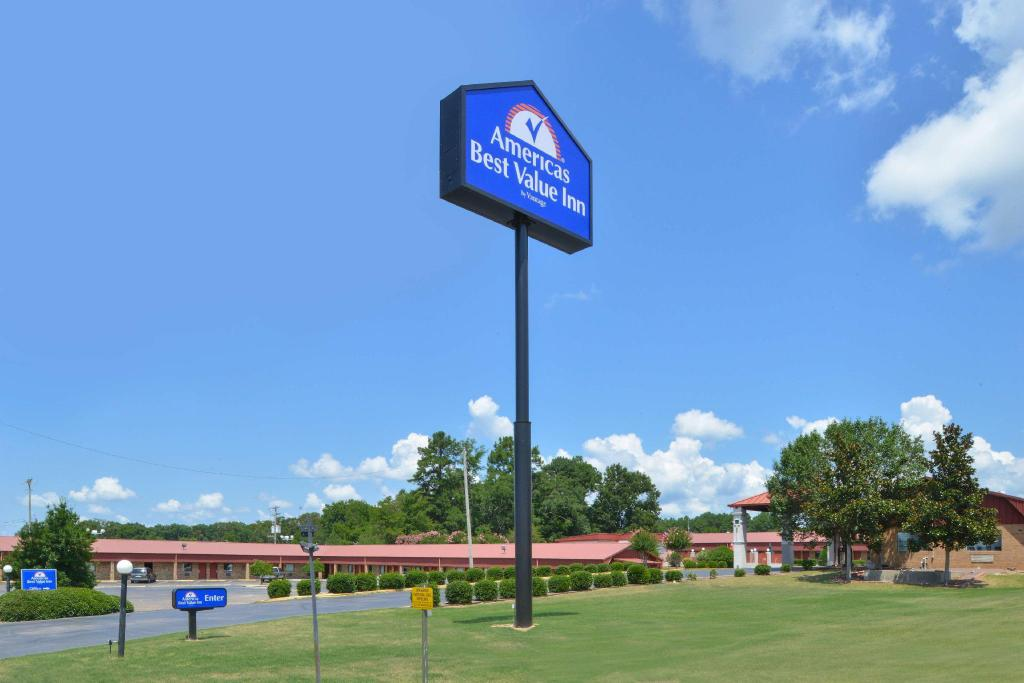 Americas Best Value Inn - Batesville, MS