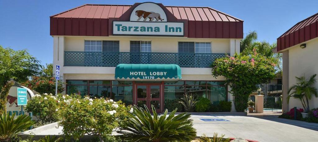 More about Tarzana Inn
