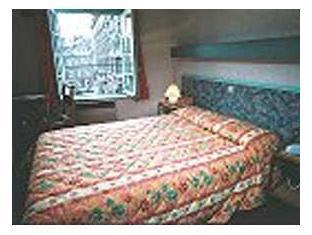 Double Room - Place des Heros