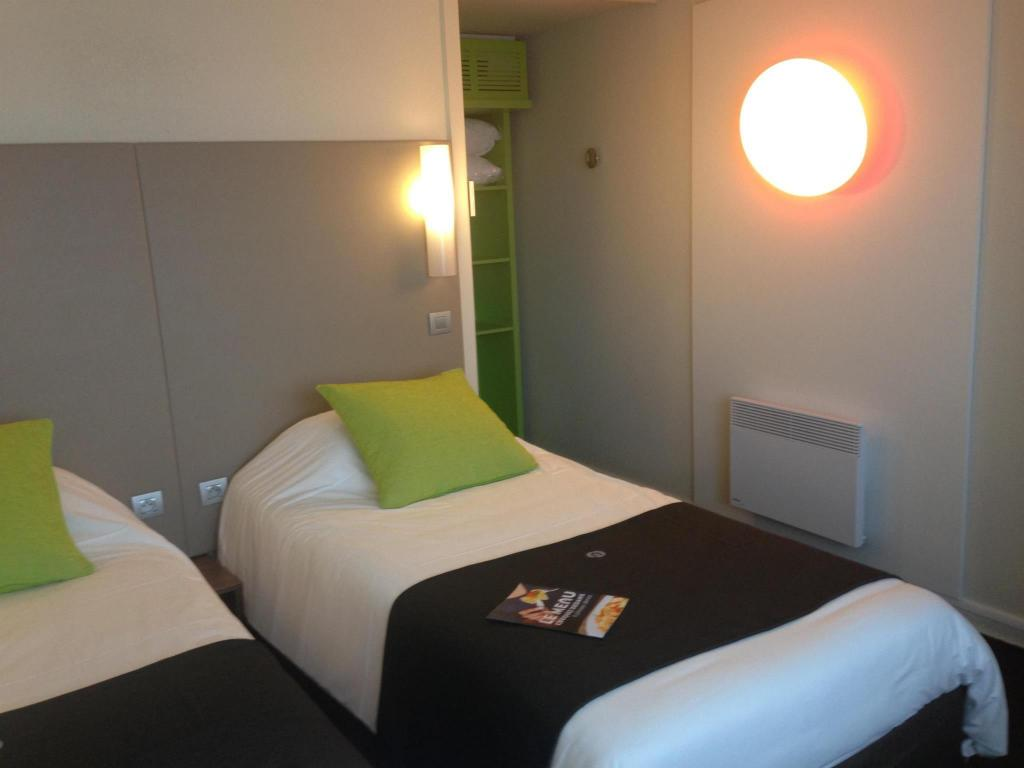 2 single Beds Hotel Campanile Bayeux