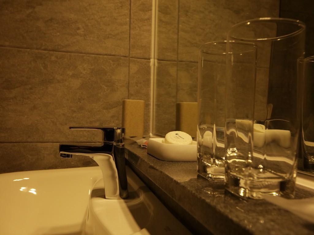 Bathroom Yihua Hotel
